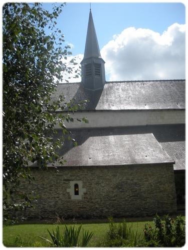 Konventní kostel Bratří Dominikánů La Haye-aux-Bonshommes v Avrillé ve Francii